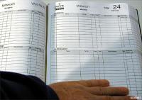 Beispiel für die freie Gestaltung der Innenseite eines Rerservierungsbuches, Bildquellen ALAKART-speisekarten.com GmbH