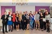 Die besten Auszubildenden der deutschen Romantik Hotels freuen sich über ihre Auszeichnung / Bild: reindersfotografie
