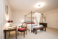 Romantisches Hotelzimmer (Bildquelle: © by-studio - Fotolia.com)