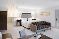 Aufwendig renoviert: Junior Suite im Romantik Hotel Schloss Pichlarn / Bildquelle: Schloss Pichlarn