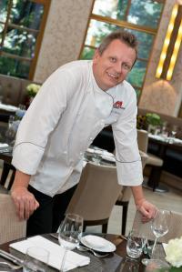 Michael Hüsken in Sophia's Restaurant; Bildquelle Schoeller & von Rehlingen