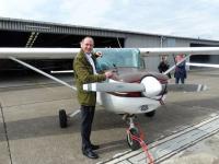 Hoteldirektor und Hobby-Pilot Moritz Klein auf dem Airport Egelsbach (Foto: Jane Uhlig)
