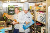 Analyse der Lebensmittelvorräte auf der Mein Schiff 4 / Bildrechte: TUI Cruises