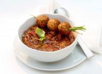 Mediterrane Gazpacho mit Valess Bällchen / Bildquelle: FrieslandCampina Foodservice/Valess