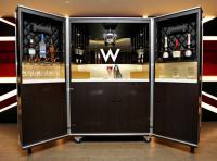 Das schlägt jedes Trinker Herz höher: Die Mega Bar im W London; Bildquellen starwoodhotels.com