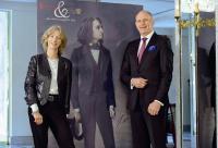 Ein Traditionshotel im Zeichen der Kunst und Kultur - die Franz Liszt-Ausstellung im Best Western Premier Grand Hotel Russischer Hof in Weimar wurde eröffnet von Liszts Ururenkelin Dr. Nike Wagner und General Manager Albert Voigts