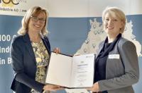Staatssekretärin Katrin Schütz und Nadja Langerjahn (Winterhalter) / Bildquelle: Winterhalter Gastronom GmbH