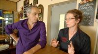 Restauranttester Christian Rach will von Servicekraft Irene wissen, wie es um die 'alte Mühle' steht.  (c) RTL