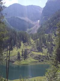Den Grünsee sieht man auf der Wanderung über den Sagerecksteig von oder nach Salet Richtung Kärlingerhaus