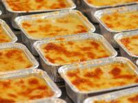 Lasagne von der Bandfertigung - gut für den schnellen privaten Hunger (wenn nicht viele Zusatzstoffe drin sind), doch mit guten Halb-Fertigprodukten für die Gastronomie hat es nichts zu tun
