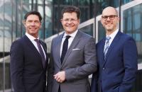 Vorstandswechsel: Die DEHAG Hotel Service AG wird seit Januar 2018 von einem Dreier-Vorstand geführt (v.l.): Jochen Oehler, Marcus Smola und Alexander Kühnlein. / Bildquelle: DEHAG Hotel Service AG