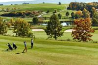 Golfen auf dem neuen 18-Loch East Course / Bildcredits: Öschberghof