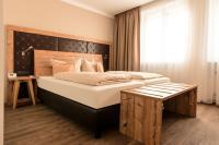Zimmer im Hotel Alter Kranen Würzburg / Bildquelle: XXXL Neubert Hoteleinrichtung