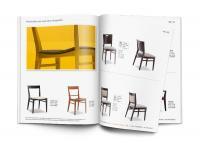 MockUp Katalog Indoor Holzstühle / Bildquelle: objekt-m DMD GmbH