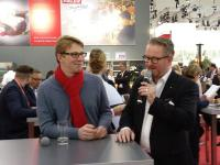 Der Hamburger Sternekoch Boris Kasprik (links) im Gespräch mit Hardy Zolper, Vertriebsleiter National der PALUX AG / Bildquelle: Hotelier.de