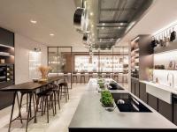 Die international bekannten Architekten Matteo Thun & Antonio Rodriguez haben ihr Knowhow beim Design und der Innenarchitektur des gesamten Flagship Stores von ZWILLING einfließen lassen / Quelle: Beide ZWILLING
