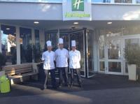 Sous Chef Robert Sponfeldner, Küchenchef Matthias Trotte, Küchendirektor Erwin Salger / Bildquelle: Holiday Inn München-Unterhaching