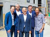 v.l.n.r.: Frederik Braun, Sebastian Drechsler, Norbert Aust, Kai Hollmann und Gerrit Braun / Bildquelle: Pierdrei Hotel