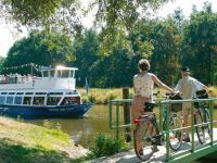 In und um Celle gibt es für Radfahrer viel zu entdecken. Ob als Gruppe, Familie oder individuell zum Beispiel bei einem Ausflug an die Aller / Bildquelle: CTM GmbH
