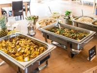 Vegan-vegetarisches Buffet Halbpension / Bildquelle: ©SEINZ