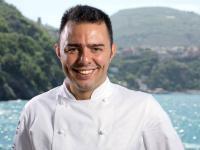 «Es ist mir eine Ehre, den kulinarischen Spirit des Hauses fortzusetzen und meinen internationalen Touch mit der Schweizer Küche zu verbinden», so der neue Chef de Cuisine im Carlton St. Moritz Graziano Caccioppoli / Bildquelle: Tschuggen Hotel Group