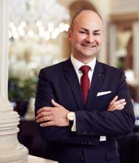 Der 48-jährige Österreicher Florian Wille ist der neue General Manager des Palais Hansen Kempinski Wien. / Bildquelle: Palais Hansen Kempinski