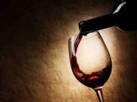 Die perfekte Stunde: menschliche Begegnungen, eine Hotelbar, der richtige Wein!