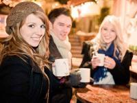 Bei kaltem Wetter darf ein Punch nicht fehlen, hier auf dem Weihnachtsmarkt in Braunschweig