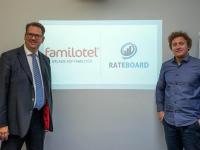 Sebastian J. Ott (Bild links) von Familotel und Matthias Trenkwalder von RateBoard freuen sich über die Zusammenarbeit / Bildquelle: Familotel AG