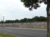 Gedenkort Bernauer Straße - ein letztes, großes, erhaltenes Stück Berliner Mauer