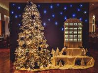 Weihnachtsbaum Bucherer und Villa Kennedy / Bildquelle: Villa Kennedy