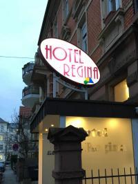 Hotel Regina bei anbrechender Nacht am 15.12.2018