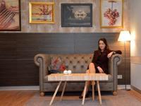 Sandra Schmidt (31) ist neue Direktorin im Mercure Hotel Hannover City gegenüber dem Maschpark. / Bildquelle: Beide Jan Hetebrügge