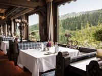 Das Restaurant Köhlerstube im Stammhaus der Traube Tonbach liegt direkt neben der berühmten Schwarzwaldstube; Bildquellen Traube Tonbach