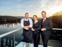 V. l. n. r.: Gastronomieleiter Christoph Schmah,Geschäftsführerin Ilka Schumann, Hoteldirektor Eike Karsten Gethmann