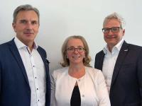 Robert Summer, Andrea Heiner-Kruckas und Andreas Kregler (v.l.n.r.) / Bildquelle: CONTI Sanitärarmaturen GmbH/CONTI+