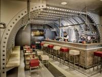 Charakteristisch: Die Cargo Bar im Essential by Dorint Stuttgart/Airport / Fotograf: Rüdiger Schulze