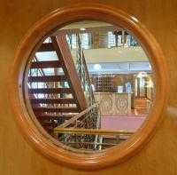 Auf einem Kreuzfahrtschiff genießt der Gast auch die maritim ausgerichtete Hotel-Ausstattung; Bildquelle Hotelier.de