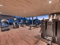 In einem gut gestalteten Ambiente mit Blick auf die Bergwelt trainiert es sich gleich viel besser: Die Aufstockung des Kinderhotels Oberjoch wurde in einem Zeitraum von nur vier Wochen realisiert, unter anderem durch den Einsatz von LIGNATUR-Flächenelementen.