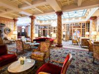 Blick in die Lobby des Kulm Hotels St. Moritz. / Bildquelle: Kulm Hotel St. Moritz