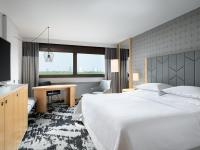 Premium Zimmer (City View) Sheraton Frankfurt Airport Hotel & Conference Center