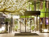 Hoteleingang mit Beleuchtung / Bildquelle: Michael Huber Wellnessresort Amonti Lunaris