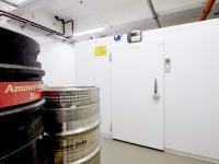 Als Bierzentrale dient im Humbser und Freunde eine Kühlzelle TectoCell Standard Plus 80 von Viessmann.