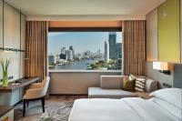 King Premium Room Bedroom Day