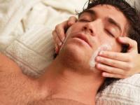 Der Trend geht weiter: immer mehr Männer mögen Wellness, die Frau nimmt ihn also gerne mit :-)