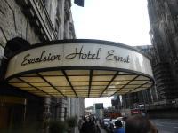 Fast alle Menschen mögen anspruchsvolle Hotels, doch manchmal muss auch gespart werden: Bildquelle Hotelier.de
