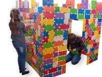 Die Kinder bauen eine Burg; Bildquellen: olifu GmbH