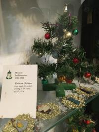 Fast schon bizarr: 'Feldbäumchen' im Weihnachtsmuseum