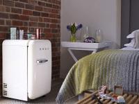 Tolles Extra: SMEG Foodservice bedankt sich bei seinen Messegästen und verlost während der Interorga eine FAB5 Minibar, den Kleinsten der Kult-Kühlschränke im 50er Jahre Retro-Stil im Wert von 849 Euro. / Bildquelle: Alle Smeg Foodservice