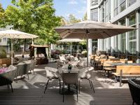 Sommerterrasse des Valentinum Bar & Terrace Steigenberger Hotel München